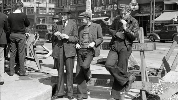 Desempregados se reúnem nas ruas de San Francisco, nos EUA (Foto: Biblioteca do Congresso dos EUA)