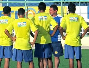 Roberto Carlos técnico do Horizonte (Foto: Daniel Romeu / Globoesporte.com)