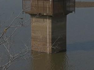 Nível de água coloca a cidade em risco de atenção total (Foto: Reprodução/TV TEM)