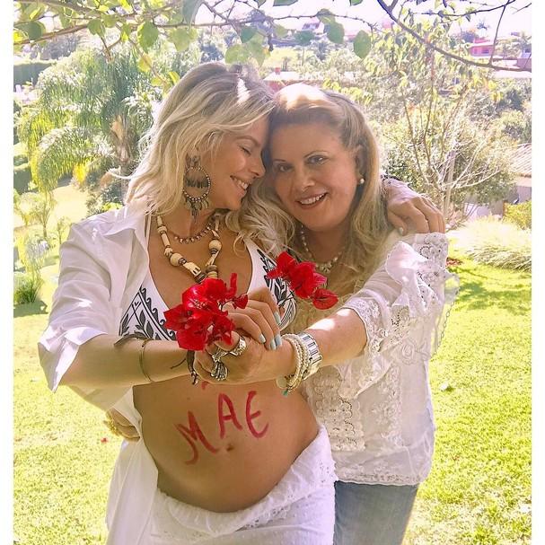 Karina Bacchi e sua mãe Nadia Bacchi (Foto: Reprodução Instagram)