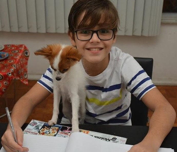Xande Valois com seu próprio cãozinho, Tico (Foto: Divulgação)