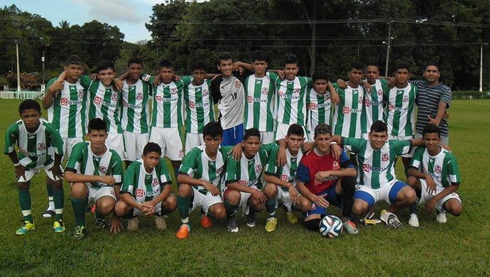Equipe do Tapajós sub 17. Um dos classificados para as semifinais. (Foto: Divulgação/ Liga Esportiva de Santarém)
