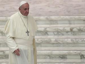 Papa deixa encontro no Vaticano no dia 27 de setembro (Foto: Tony Gentile/Reuters)