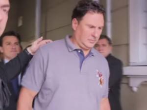 Juliano Borghetti se apresentou e disse que procurava o filho durante a briga (Foto: Reprodução/RPCTV)