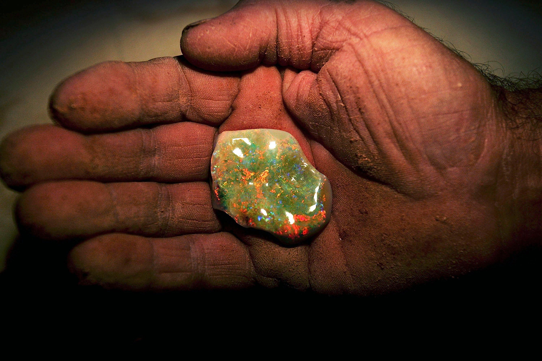 Opala lapidada extraída das minas de Coober Pedy (Foto: Divulgação)