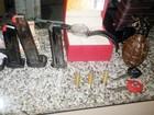 Cinco homens são presos em Cuiabá com granada, arma e colete roubados