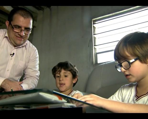Mãe abre mão da guarda para filho morar com o pai (Foto: Encontro com Fátima/TV Globo)