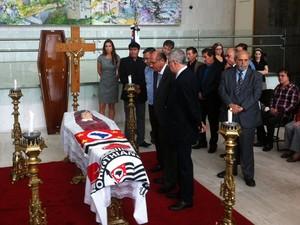 Alckmin participa de velório do corpo de Inezita Barroso (Foto: Letícia Macedo/ G1)