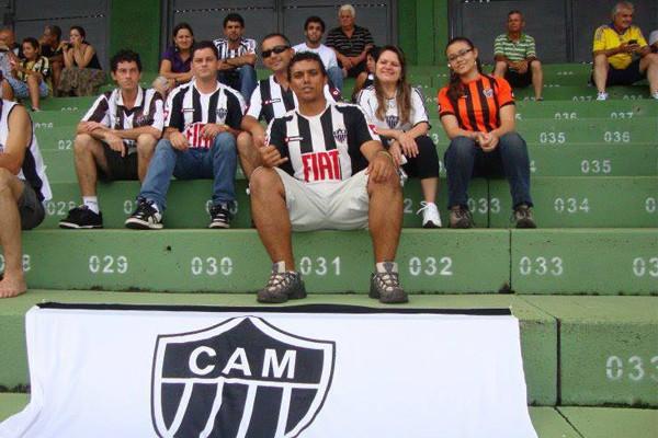A torcedora, Lujan Machado e família  (Foto: Divulgação | TV Integração)