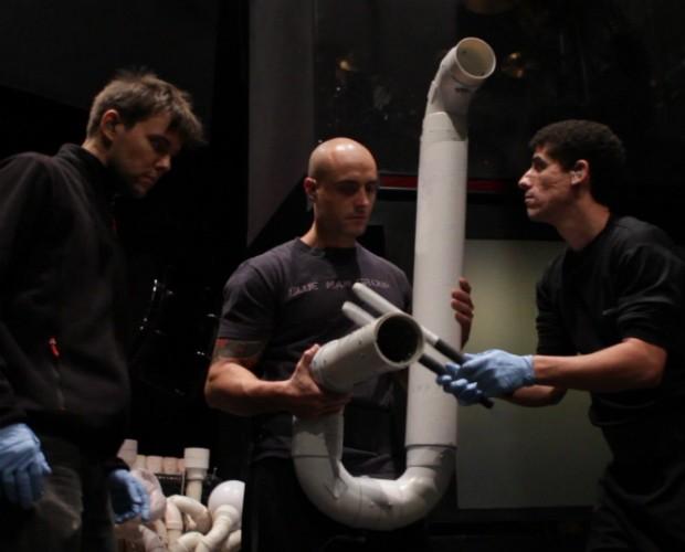 Jonas, Alan e Diego em treinamento com instrumentos de PVC em Nova York (Foto: Divulgação)