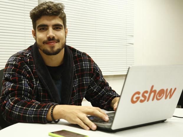 Caio Castro assume a conta do Gshow nas redes sociais (Foto: Raphael Dias/Gshow)