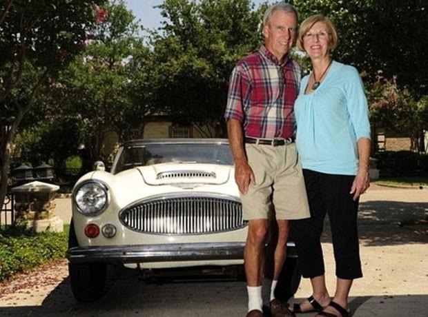 O americano Bob Russell reencontrou seu carro roubado 42 anos antes em um site de leilões na internet (Foto: AP)
