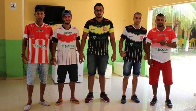 Elenco e uniforme do GEC são apresentados (Foto: Júnior Freitas)