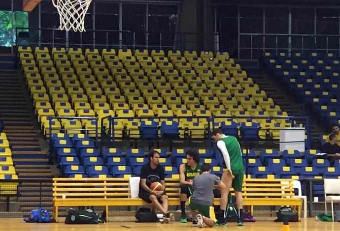 Marcelinho Machado treino seleção basquete (Foto: Gabriel Fricke)