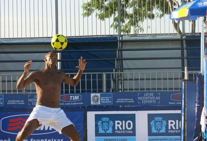aldair liga nacional de futevôlei piscinão de ramos (Foto: Flávio Dilascio)