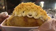 Raspando a Panela: aprenda a fazer batata recheada