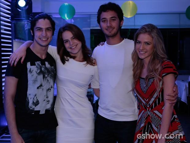 Bianca Salgueira com Gabriel Leone, Hanna Romanazzi e Gabriel Falcão (Foto: Felipe Monteiro)