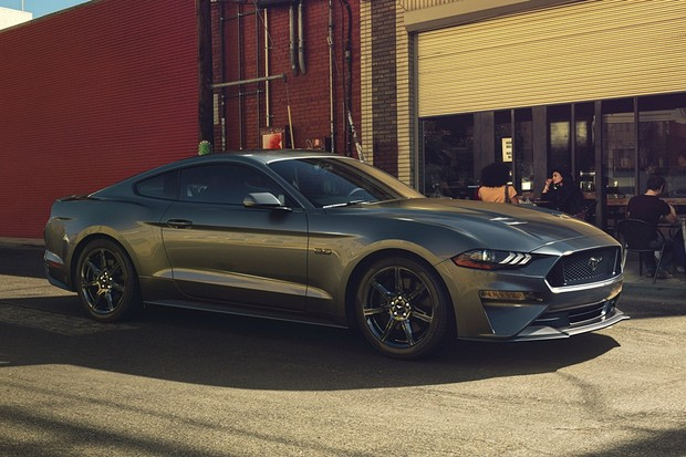 New Ford Mustang V8 GT with Performance Package in Magnetic (Foto: Divulgação)