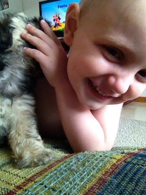 Lucas, de 3 anos, está no último ciclo do tratamento e os últimos exames já não apresentam mais céluclas leucêmicas (Foto: Arquivo Pessoal)