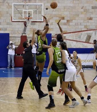 São José Basquete x América-PE LBF (Foto: Arthur Marega Filho/São José Desportivo)