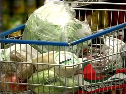 Nutricionista dá dicas de como fazer uma compra corretamente (Foto: Reprodução EPTV)