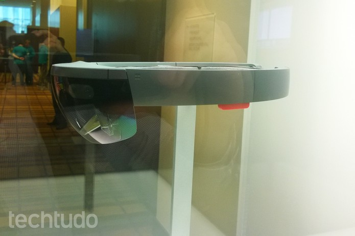 Lateral do HoloLens apresentado na Build 2015 da Microsoft (Foto: Elson Junior/TechTudo)