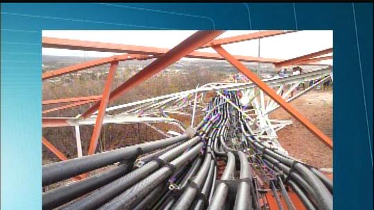 Ventania derruba torre de operadora de telefonia em Missão Velha, no CE