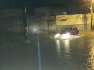 Forte chuva (Foto: Rayssa Natani/ G1)