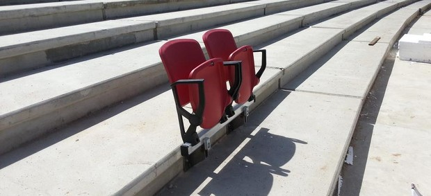 Novas cadeiras são testadas no Beira-Rio (Foto: Beira-Rio, Gigante Para Sempre / Facebook, DVG)