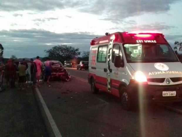 Vítima foi socorrida por equipes do Samu (Foto: Anderson Oliveira | Blog do Anderson)
