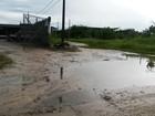 Avenida sem pavimentação incomoda moradores em Itanhaém, SP