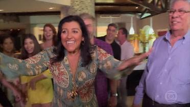 Regina Casé visita família de Fortaleza