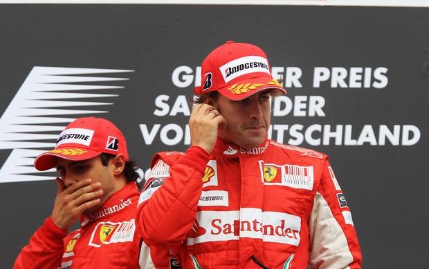 Felipe Massa Fernando Alonso pódio GP Alemanha Fórmula 1 2010 (Foto: Agência Getty)