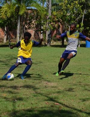 Blanco e Maicon em treino do Rondoniense (Foto: Emanuele Madeira/GloboEsporte.com)
