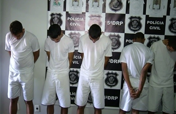 Parte dos suspeitos foi presa após roubos e os demais durante investigações, em Luziânia, Goiás (Foto: Reprodução/TV Anhanguera)