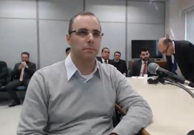 O ex-executivo da OAS, Roberto Moreira Ferreira , presta depoimento ao juiz Sérgio Moro (Foto: Reprodução/YouTube)