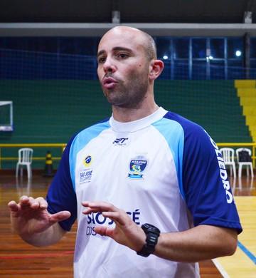 Reinaldo Bacilieri, técnico São José Vôlei (Foto: Thiago Fadini/GloboEsporte.com)