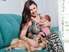Rebeka Francys posa com o filho, Anthony, e afirma: 'Nasci para ser mãe'