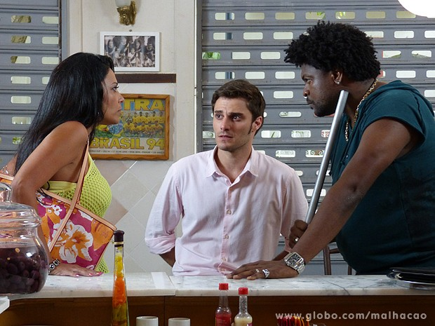 Gislaine dá uma dura em Cadelão e diz que pegou anel pelos filhos (Foto: Malhação / TV Globo)