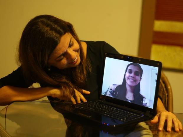 Sônia e Naiana se falam diariamente pela internet (Foto: Ingrid Bico/G1)