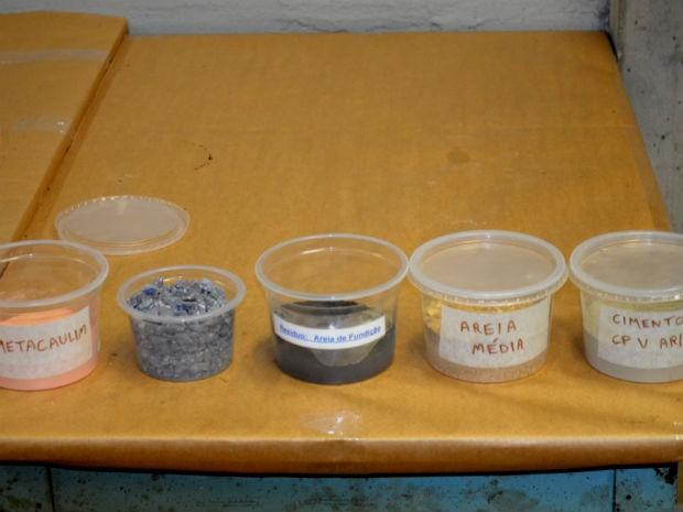 Componentes reaproveitáveis substituem materiais tradicionais do concreto (Foto: Rafael Alberici / G1)
