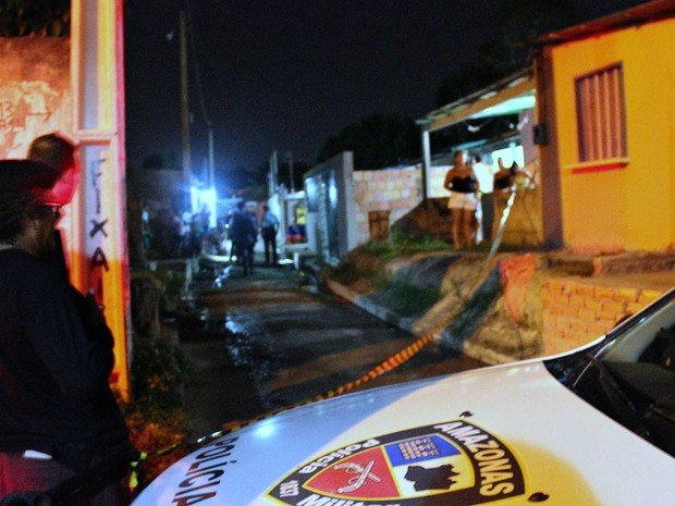 Assassinato no bairro Sanat Etelvina, Zona Norte (Foto: Ive Rylo/G1 AM)