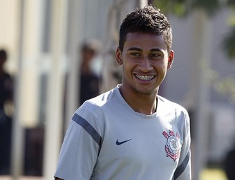Denner, lateral-esquerdo Corinthians (Foto: Divulgação/ Agência Corinthians)