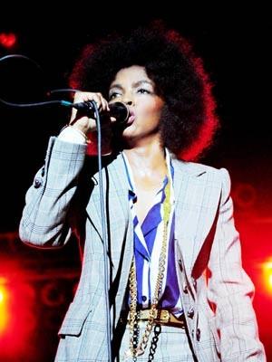A cantora Lauryn Hill, destaqiue do primeiro dia do festival (Foto: Divulgação)