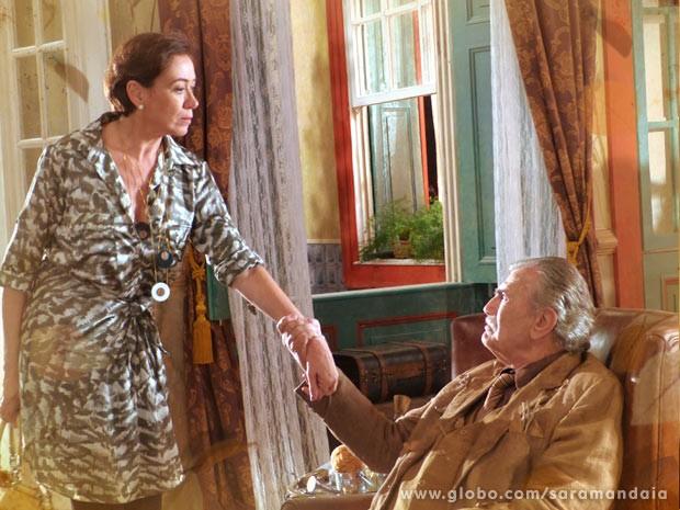 Vitória e Tibério têm muita coisa de pratrasmente para resolver (Foto: TV Globo/Saramandaia)