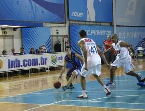 Pinheiros x Bauru Liga Sorocabana - NBB (Foto: Luly Zonta/Ag. Bom Dia)