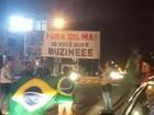 Grupo faz manifestação contra Dilma em frente ao shopping de Porto Velho