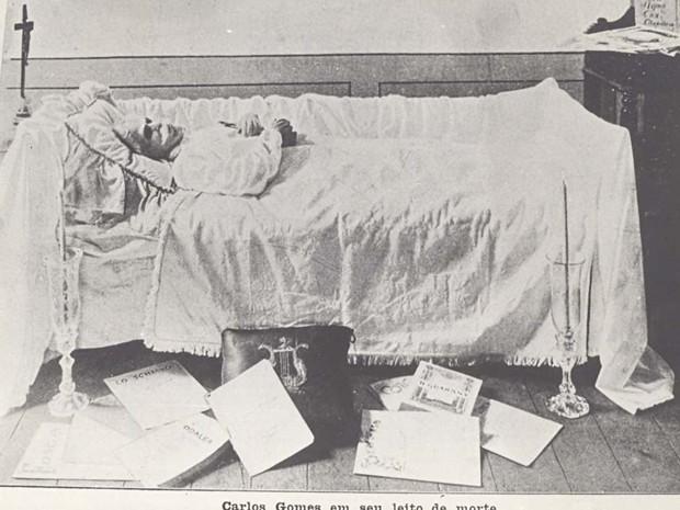 Carlos Gomes no leito de morte em Belém (Foto: Fotógrafo não identificado - Acervo MIS Campinas)