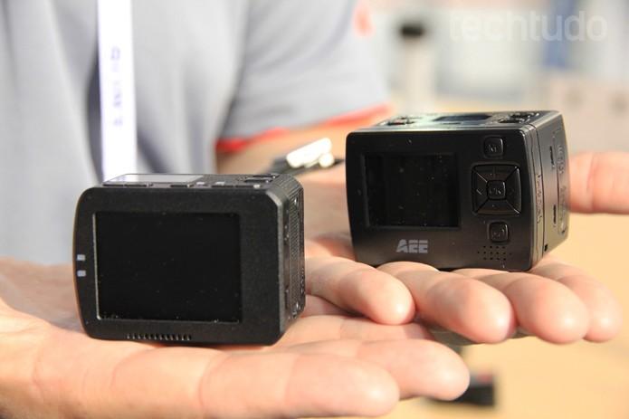 Quando comparada à versão anterior da linha MagiCam, a S71 possui o visor maior e faz imagens com mais qualidade (Foto: Monique Mansur/TechTudo)