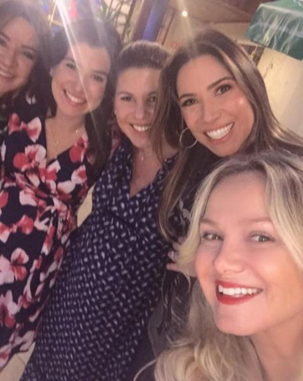 Eliana com Iris Abravanel e as filhas Renata, Daniela e Patricia (Foto: Reprodução/Instagram)